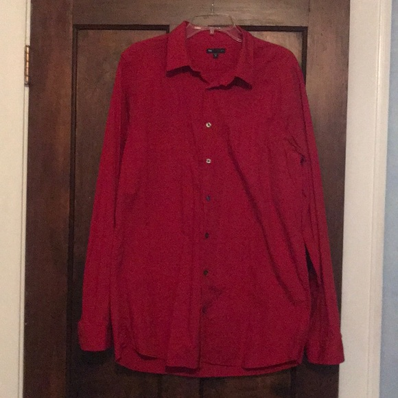 GAP Other - Men's red slim fit button down shirt